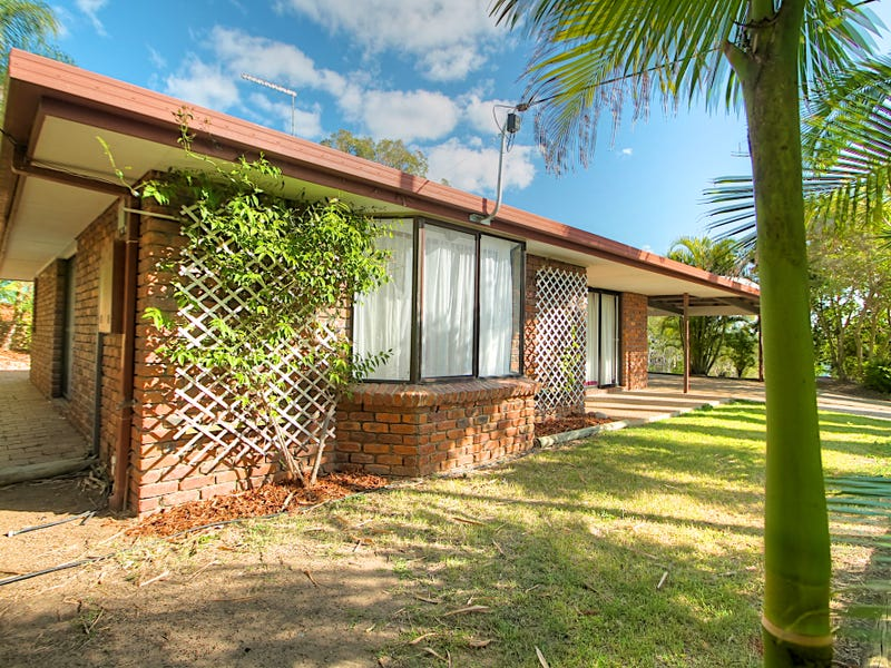 13 Pitceathly Street, Bundamba, Qld 4304