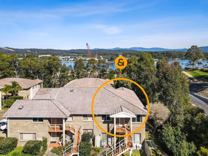 18/8 Lord Place, North Batemans Bay, NSW 2536