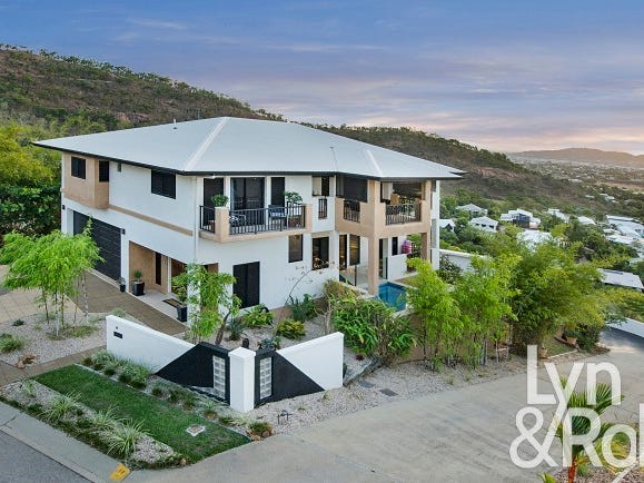 18 The Point, Castle Hill, Qld 4810
