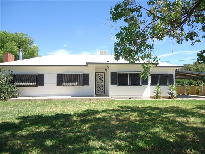 79 Urana Street, Lockhart, NSW 2656