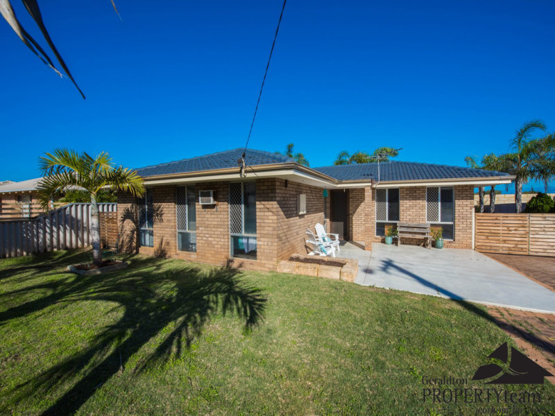 32 Glass Crescent, Mahomets Flats, WA 6530