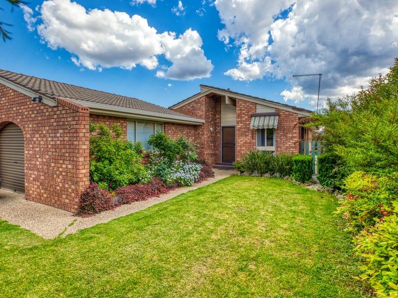 2/535 Margaret Place, Lavington, NSW 2641