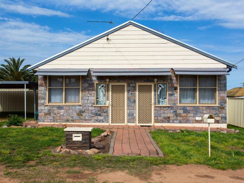 1 Macassar Street, Cowra, NSW 2794