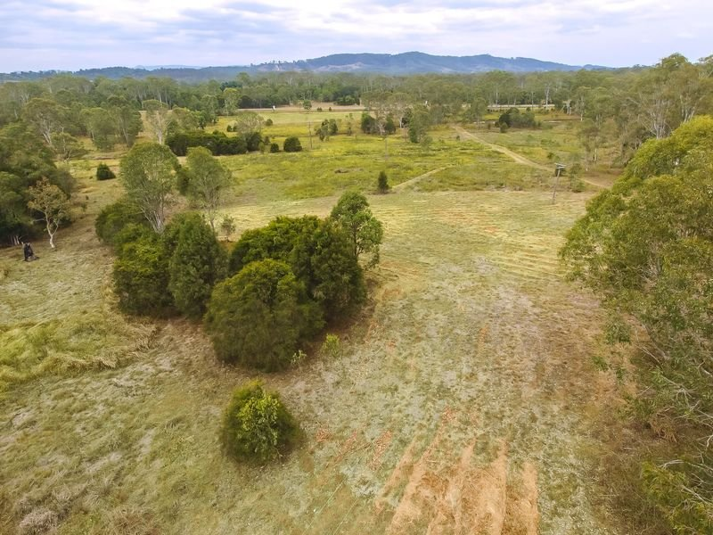 355 Carlson Road, Coles Creek, Qld 4570