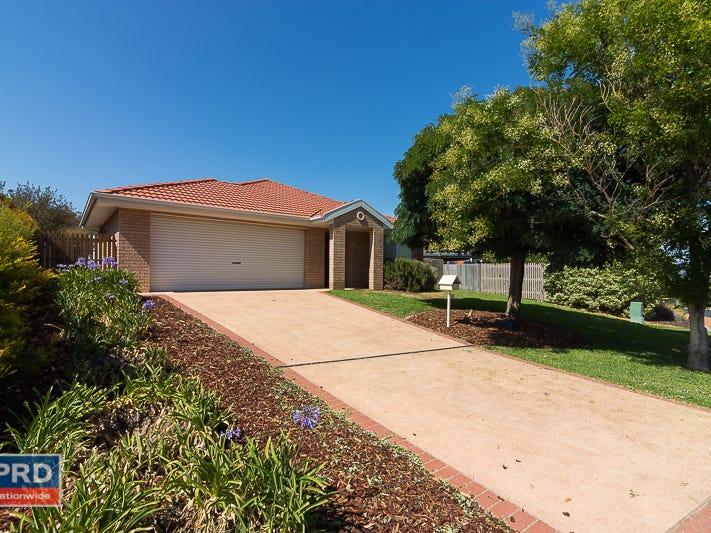 4 Macadamia Close, Jerrabomberra, NSW 2619
