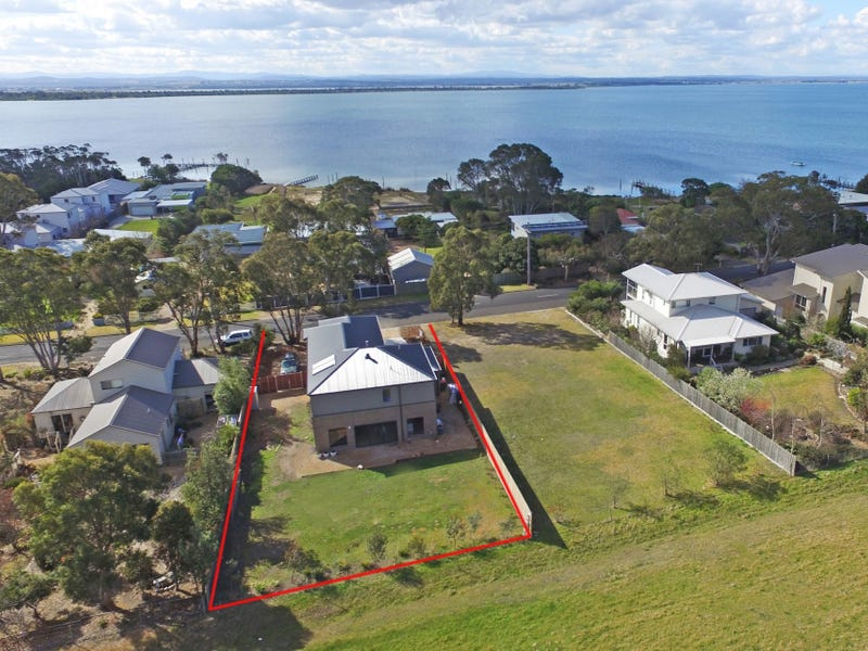 162 Bay Road, Eagle Point, Vic 3878