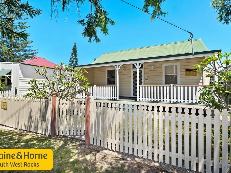21 Landsborough Street, South West Rocks, NSW 2431