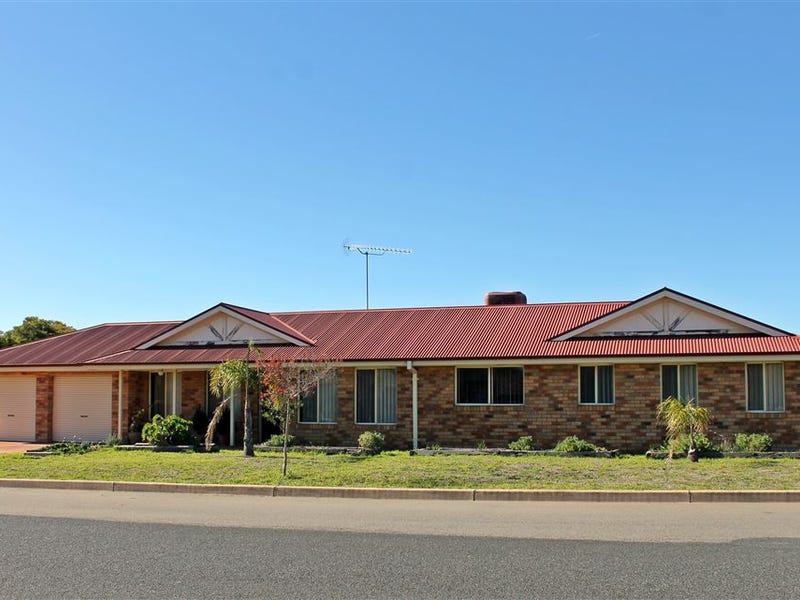 9 Harvester Avenue, West Wyalong, NSW 2671