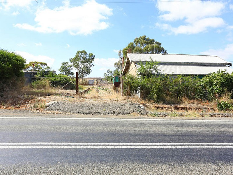 13 & 14 Commercial Road, Manoora, SA 5414