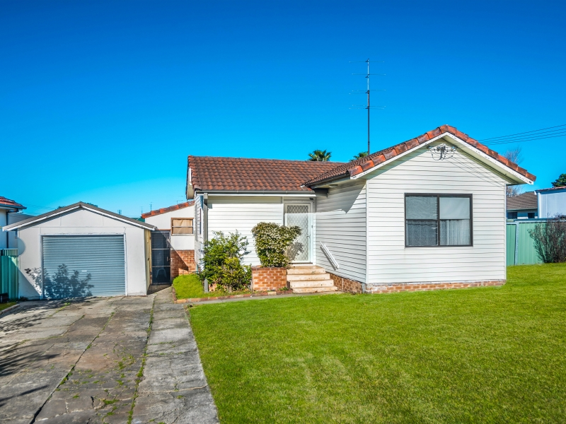 8 Hoskins Avenue, Warrawong, NSW 2502