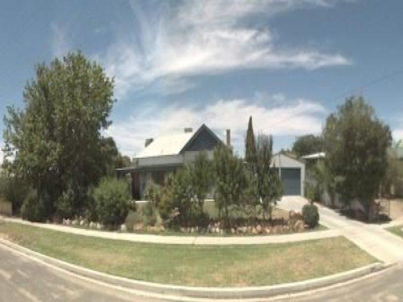 189 Pine Street, Hay, NSW 2711
