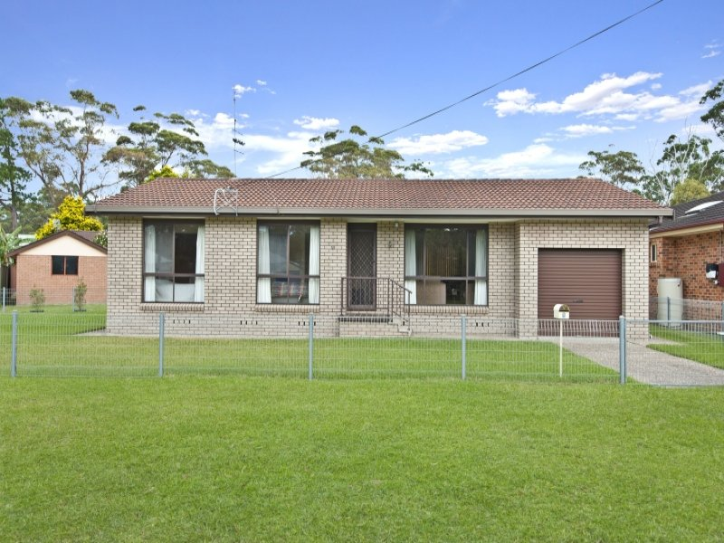 9 Centre Street, Lake Tabourie, NSW 2539