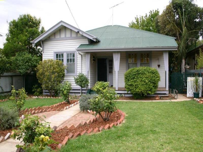 11 Chisholm Street, Swan Hill, Vic 3585