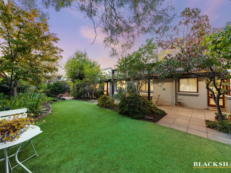 12 Howchin Place, Torrens, ACT 2607