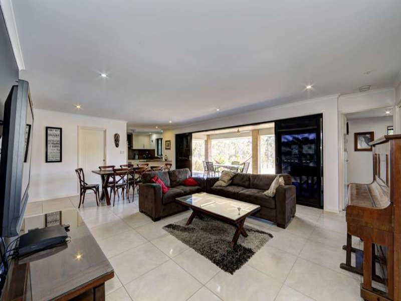 120 Park Avenue, North Isis, Qld 4660