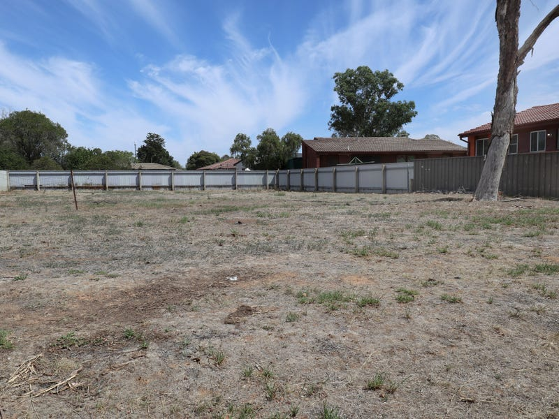 17 Toy Place, Tolland, NSW 2650