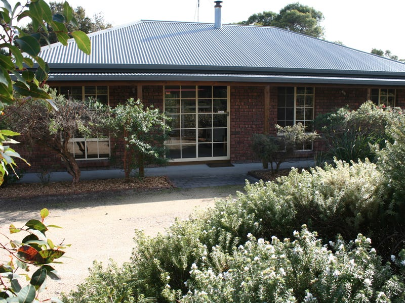 12 Hazards View Drive, Coles Bay, Tas 7215
