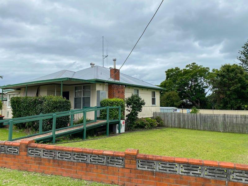 5 Latham Avenue, Taree, NSW 2430