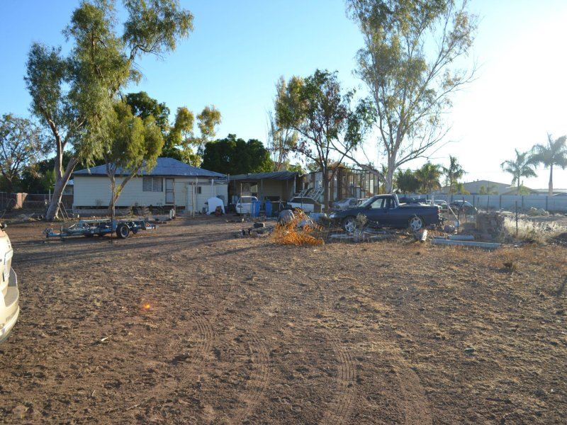 11 Croft Road, Mount Isa, Qld 4825