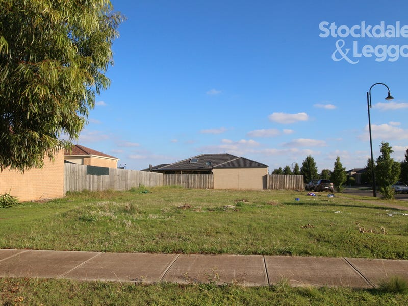 2 Horseman Drive, Melton South, Vic 3338