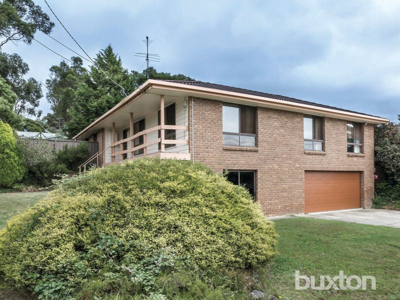 136 Mansfield Avenue, Mount Clear, Vic 3350