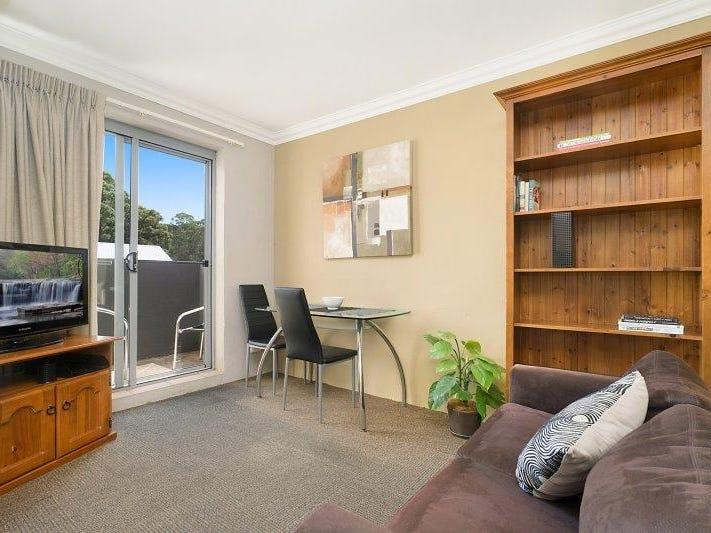 10 Moore Street, Birmingham Gardens, NSW 2287