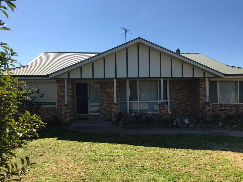 17 MURDOCH PLACE, Holbrook, NSW 2644
