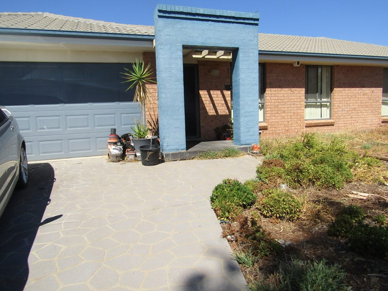 8 Peter Coote St, Quirindi, NSW 2343