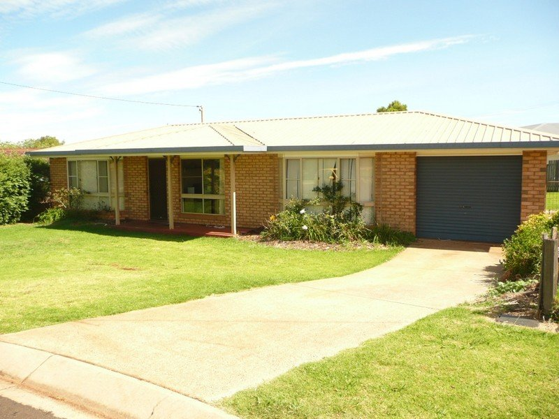 14 Coolawin Court, Wilsonton Heights, Qld 4350