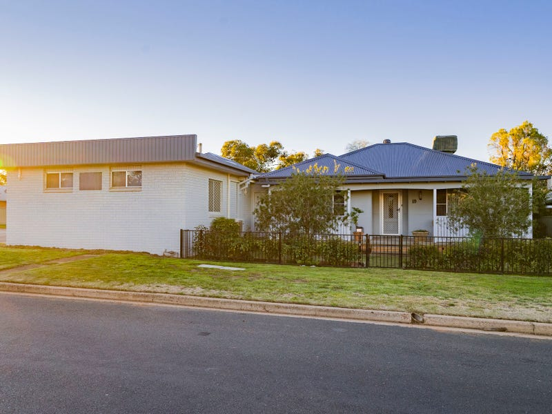 19 Dalgetty Street, Narrandera, NSW 2700