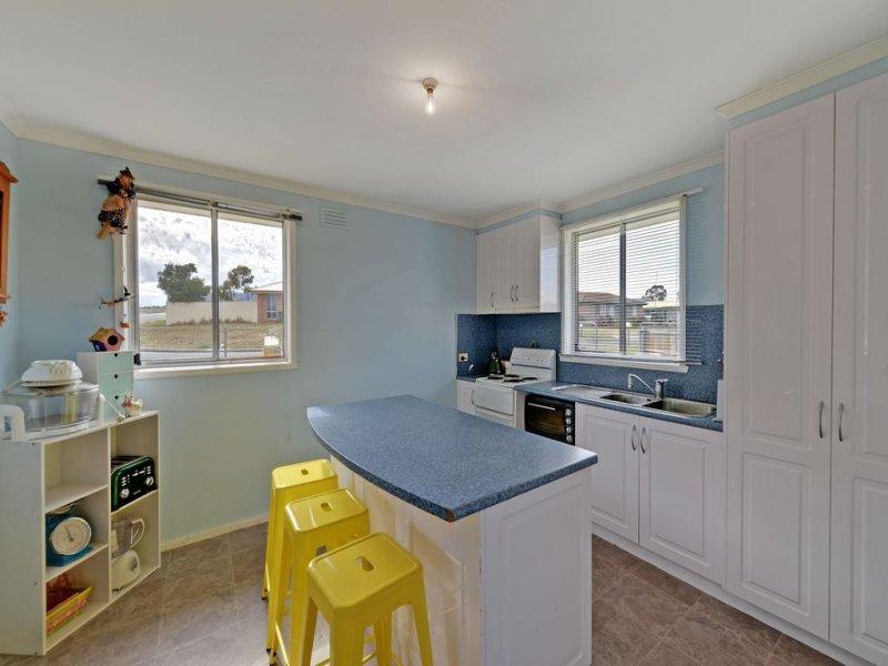 64 Fisher Drive, Herdsmans Cove, Tas 7030