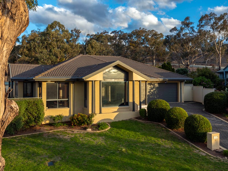 7 Copperfield Place, Jerrabomberra, NSW 2619