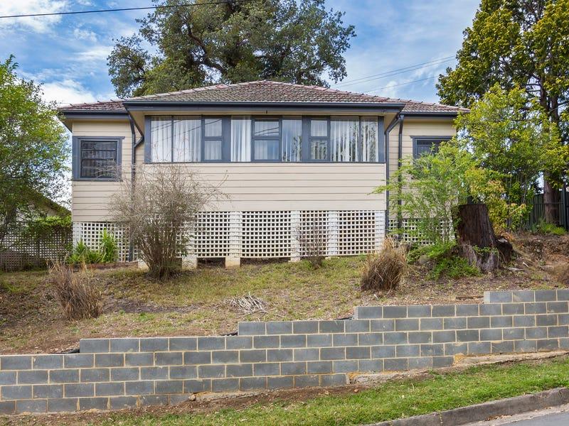 1 Boland Avenue, Springwood, NSW 2777