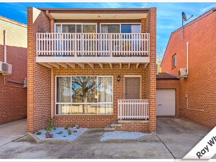 3/8 Hakea Street, Queanbeyan, NSW 2620