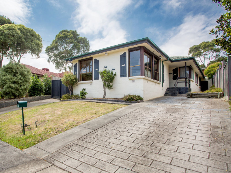 15 Pembroke Avenue, Frankston, Vic 3199