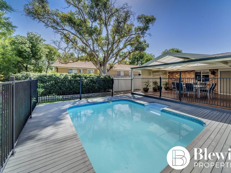 13 Alder Close, Jerrabomberra, NSW 2619