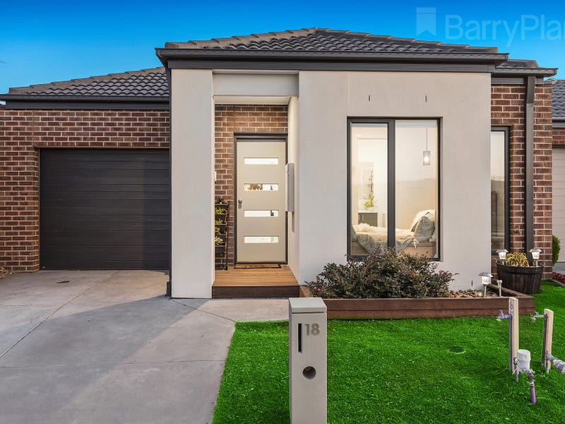 18 Collinson Way, Officer, Vic 3809