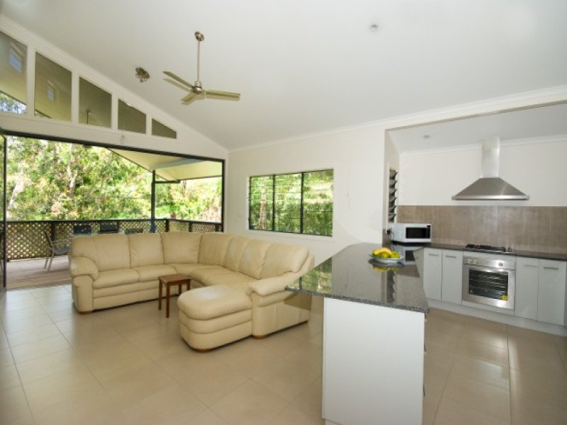 20 Yates St Nelly Bay, Nelly Bay, Qld 4819