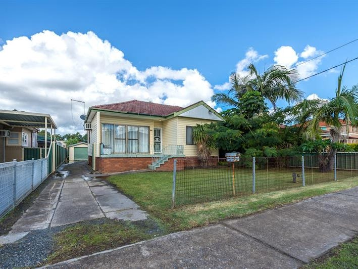 30 Harden St, Canley Heights, NSW 2166