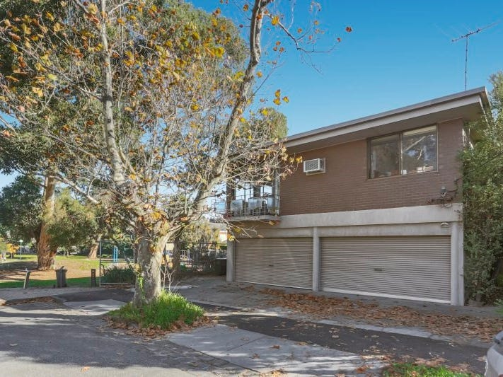 2/16 Lindsay Avenue, Elwood, Vic 3184
