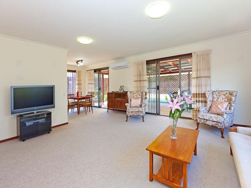 10 Mannersley St, Carindale, Qld 4152