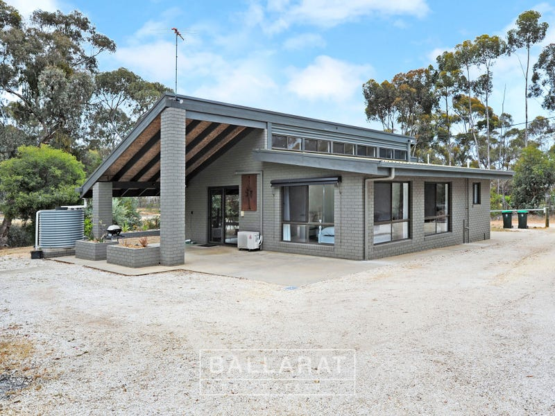 7158 Pyrenees Highway, Avoca, Vic 3467