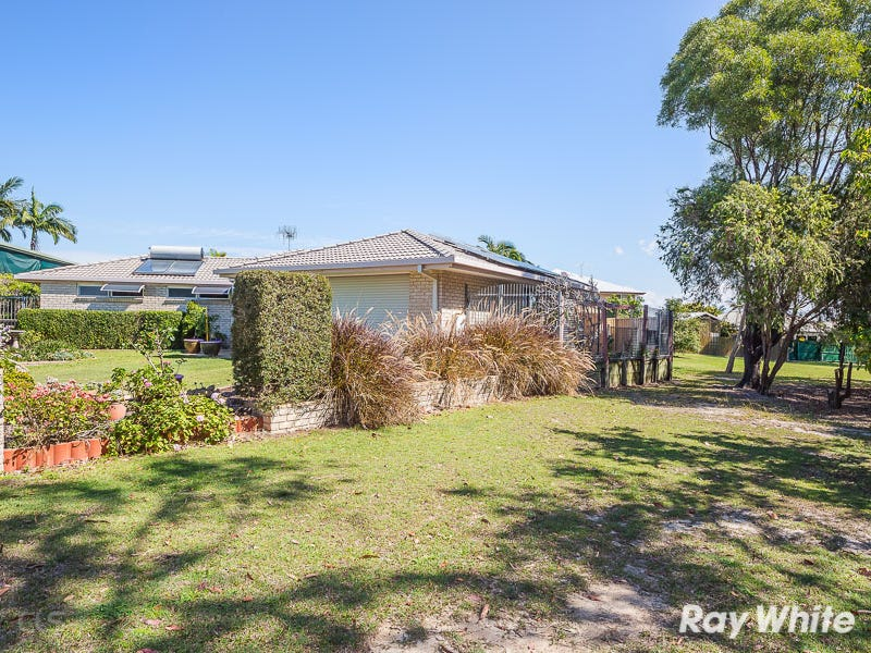 13 Kirk Place, Sandstone Point, Qld 4511
