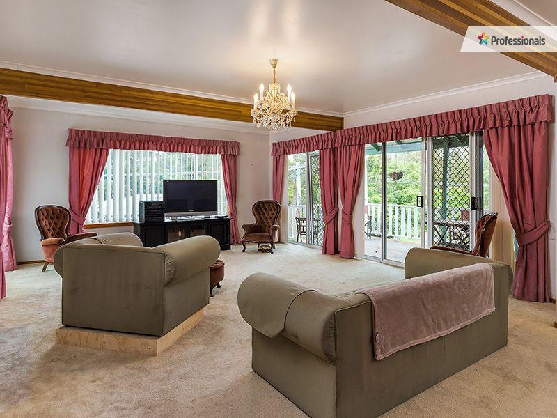 9 Yeerinbool Court, Arana Hills, Qld 4054