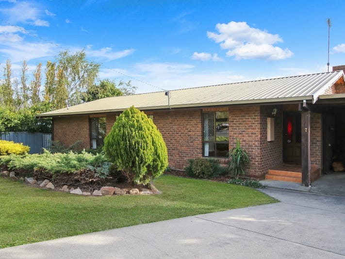 7 Bakulis Court, Beechworth, Vic 3747