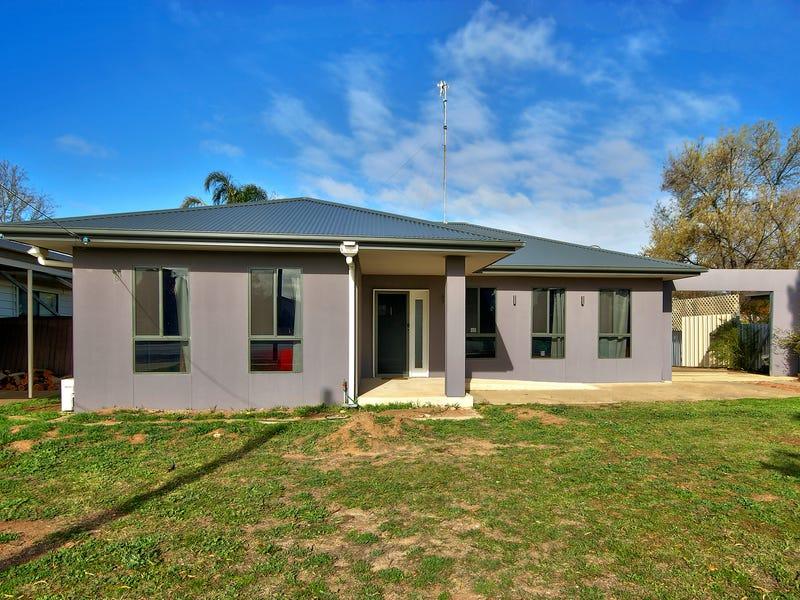 80 Macauley St, Deniliquin, NSW 2710
