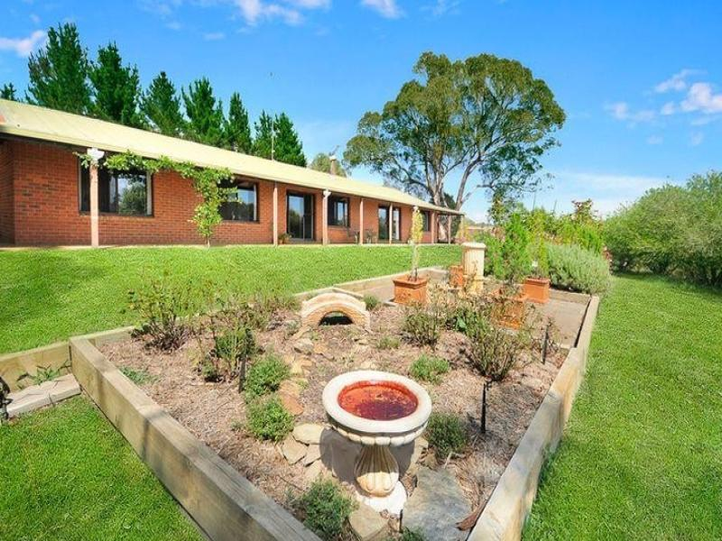 282 Doust Road, Bywong, NSW 2621