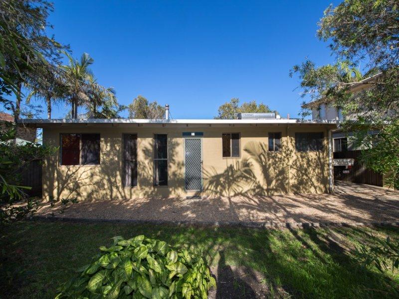 12 Headland Road, Arrawarra Headland, NSW 2456