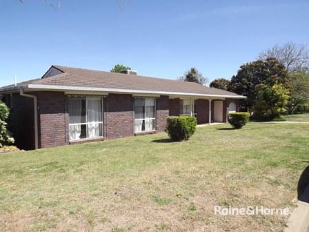15 Miller Avenue, Tolland, NSW 2650