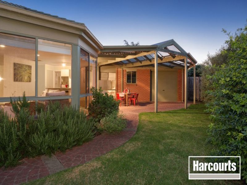 15 Warranqite Crescent, Hastings, Vic 3915